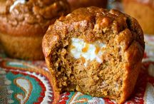 dessert - cupcakes!  / by Ilona Belous