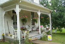 screen doors & porches / by Donna Hyland