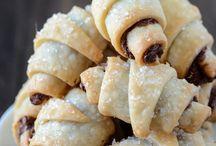 Cookies, Cakes & Yummy Desserts / by Bja Barsanti