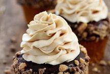 Cupcakes / by Jennifer Tough