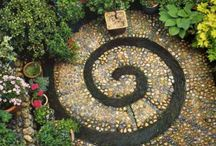 Gardens (AWESOME) / by Beth Owens