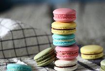 Macarons and Meringues / by Joyce Bastiaans