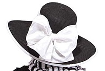 Black and White  / forever classic / by Uno Alla Volta