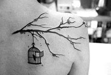 Tattoos / by Nadja Günther