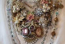 jewelrymaking / Stuff that inspires me, stuff I want to try, stuff with good tutes, stuff that is gorgeous  / by Lisa Jo Perdue