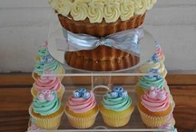 Cupcakes / A miniture little cake! Heaven all in a bite (or two)! :)  / by Lydia Sestito