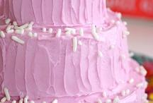 Mini Wedding Cake / by Diane Castro