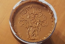peanut butter art / a freshly opened jar of peanut butter is a canvas for fun artwork!! / by Cake Pop Charm