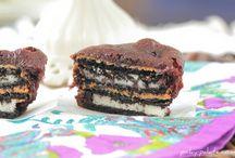 Food/Desserts / by Ashley Stanton