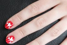Cute Nails / by Amber Kuhl Bennett