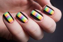 Nails / by Es Castillo