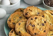 Diabetic Connect Cookie Recipes / Who said diabetes friendly desserts had to be boring? Treat yourself to our wonderful list of delicious diabetic cookie recipes. These tasty morsels are sure to be a hit at your next gathering.  / by Diabetic Connect