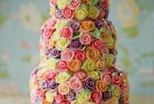 cake decorating / by Sheilagh Weinert