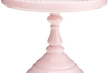 Loves | Cake Stands / by Jami Pearson
