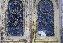 Doors & Windows / by Yasemin Demirbas