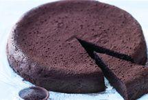 Dessert anyone? / by Lola Elvz