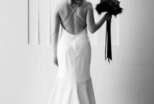Cherish the Dress / Ensaio fotográfico que valoriza o vestido da noiva. Clicks do glamour e elegância dos noivos. / by Lista de Casamento Pontofrio.com