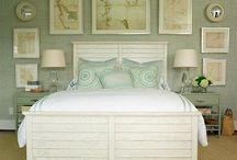 Bedrooms / by Jane Ross Fostervold