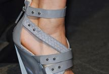A woman's right to shoes / by Rue de Chic