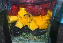 smoothies / by Paula Staires