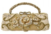 Beaded Bags! / by Linda Aubrey