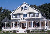 Home Exteriors I Love / by Heather Lynn