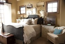 Apartment bedroom / by Mary Kate Rix