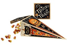 Spooky Vintage Halloween Things / Good old fashioned Halloween goodies / by Melissa Williams