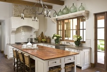 Kitchens / by Mary Cassinelli