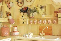 Kitchens / by Conchita