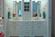 bathrooms / by Michele Nash