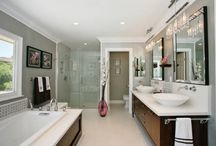 Bathrooms / by Jennifer Ashford