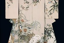 Kimono: art & fashion / If I could spend any amount of money on artwork, it would be on an authentic, vintage Kimono. Fashion and art in one amazing creation! / by Brigett Cavanaugh Peterson