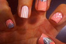 Hair & Nails / by Stephanie Hitchner