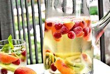 Food & Drinks / by Marjorie Astier