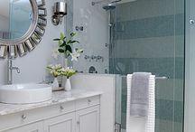 Bathroom / by Lindsey Barnes