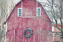 Love old barns.  / by Kristine Renner
