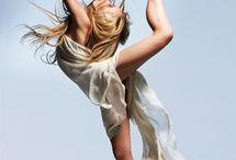 Dance / by Takashi Ito