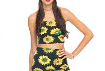 Sunflower Print! / Get summer vibes in this sunflower print! / by Motel Rocks