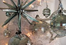 Vintage Christmas / Vintage Christmas ornaments, goods and decorating ideas / by Shelley Robillard