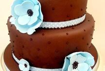 cakes / by Laura Alfano