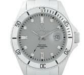 watches...tick tock / by Leann Weinstein