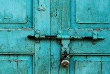 Doors, Doorways, Windows, Arches / by Inspire Bohemia