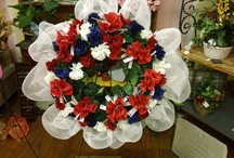 Angie's Wreaths / Beautiful wreaths I made and others made. Great ideas there. / by Angie Hernandez, Hypnotherapist