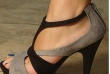 SHOES I LOVE (Even though I couldn't wear them)! / by Toni Seitz