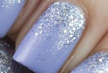 Gitter Glitter / Nails / by Cyndi Kate