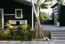 Black garden house / by RetailFans [Mirjam van Rees]