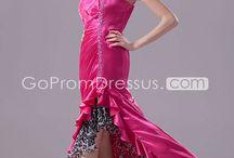 Prom dresses  / by Gabriella Fidalgo
