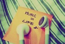 lalalalala music / by Laura Heart
