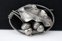 Vintage jewelry / by Ingrid Landis